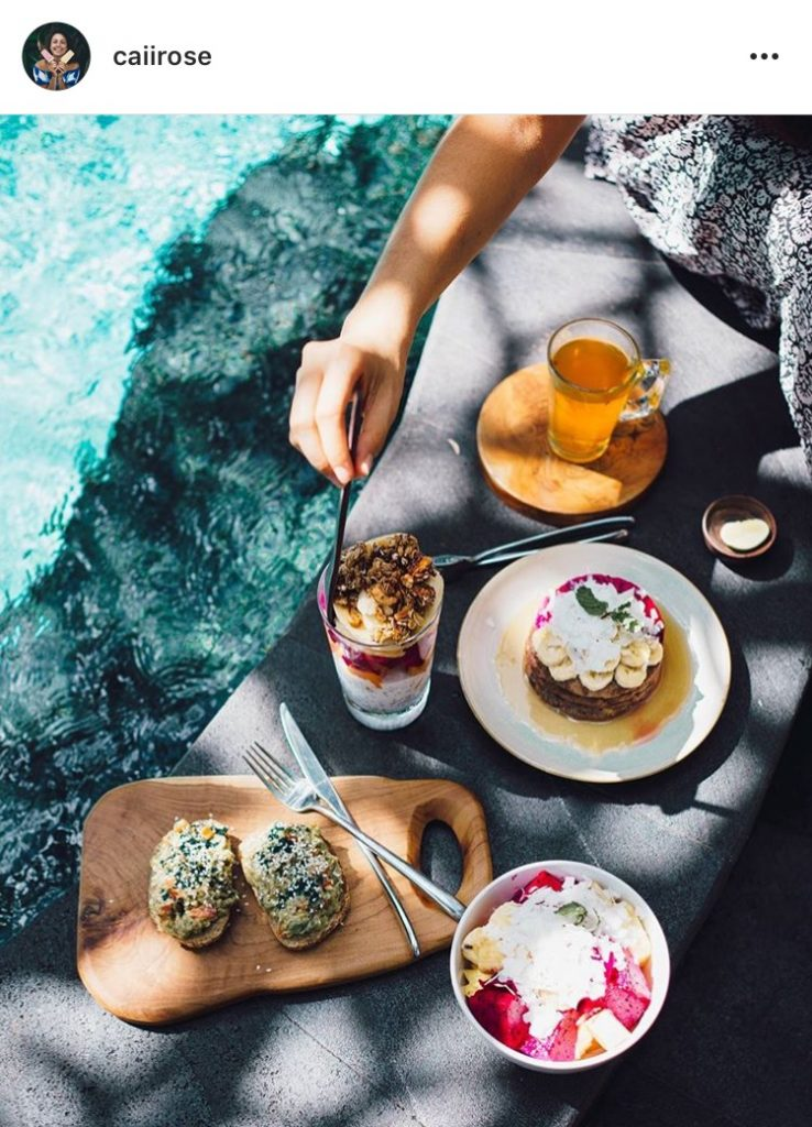 @caiirose Instagram poolside fruit flatlay