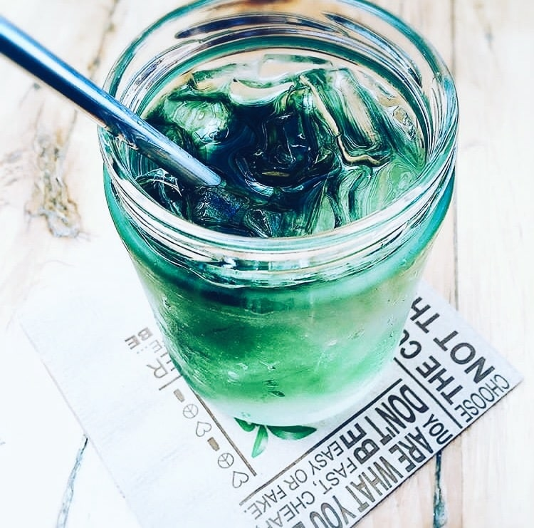 @tinoslife gorgeous chlorophyll glass and metal straw